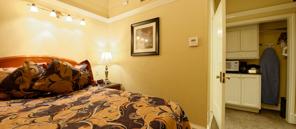 Guest Rooms Gaslamp Plaza Suites